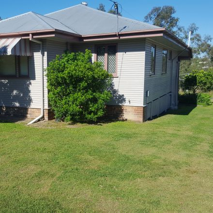 Rent this 3 bed house on 38 Duncan St