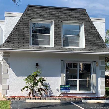 Rent this 3 bed townhouse on 917 Northeast 27th Avenue in Hallandale Beach, FL 33009