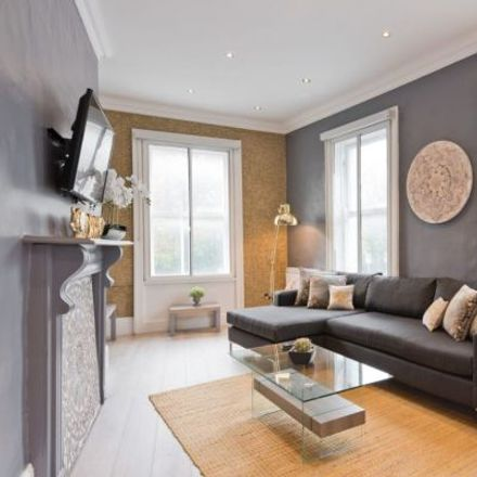 Rent this 4 bed apartment on 22-23 Dawson Street in Dublin 2, Dublin