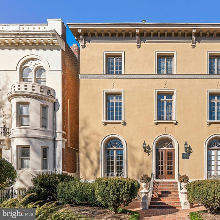 Rent this 2 bed condo on 310 East Capitol Street Northeast in Washington, DC 20003