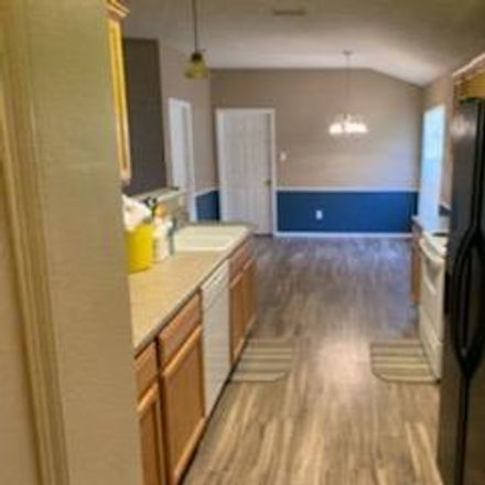Rent this 3 bed house on 6719 85th Street in Lubbock, TX 79424