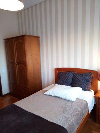 Rent this 4 bed room on R. Pádua Correia in 4430-999 Vila Nova de Gaia, Portugal
