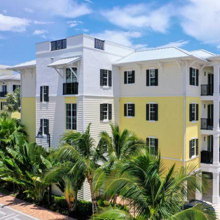 Rent this 3 bed condo on S Latitude Cir in Delray Beach, FL
