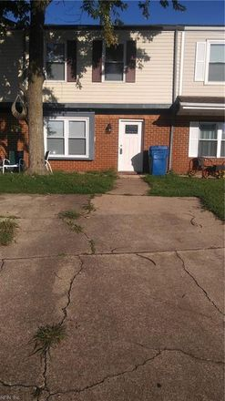 Rent this 3 bed townhouse on 777 Spence Circle in Virginia Beach, VA 23462
