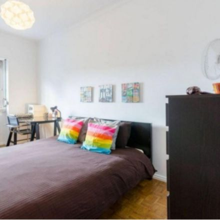 Rent this 2 bed room on Portuguese Red Cross Hospital in Rua Duarte Galvão 54, 1549-008 Lisbon