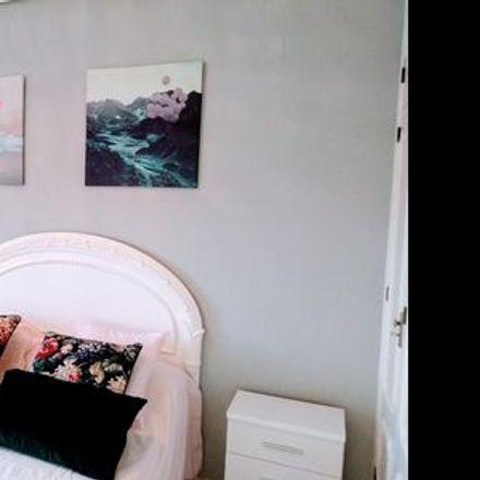 Rent this 3 bed apartment on Seville in Intercomunidad Juan Díaz de Solís-Pedro de Mendoza, ANDALUSIA