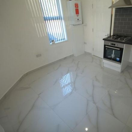 Rent this 1 bed apartment on Warwick Road West in Luton LU4 8BJ, United Kingdom