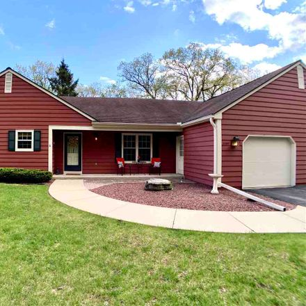 Rent this 3 bed duplex on 3205 North Crystal Springs Road in Janesville, WI 53545