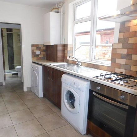 Rent this 5 bed house on Hazel Community Primary School in Hazel Street, Leicester LE2 7JN