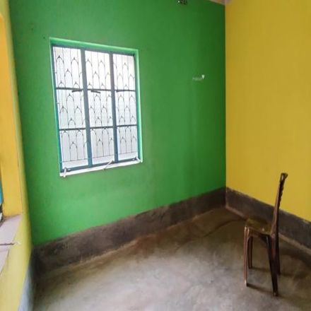 Rent this 2 bed house on unnamed road in North 24 Parganas, Kanchrapara - 712502
