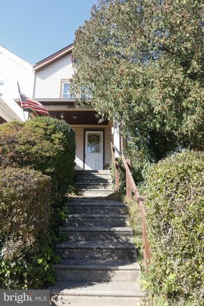 Rent this 3 bed house on 3209 Berkley Ave in Drexel Hill, PA