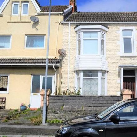 Rent this 3 bed house on Wern Fawr Road in Swansea SA1 8LL, United Kingdom