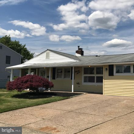 Rent this 4 bed house on Summer Ln in Levittown, PA
