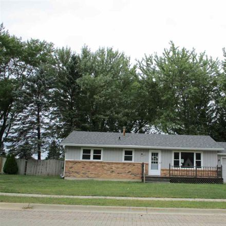 Rent this 3 bed house on Roosevelt Rd in Machesney Park, IL
