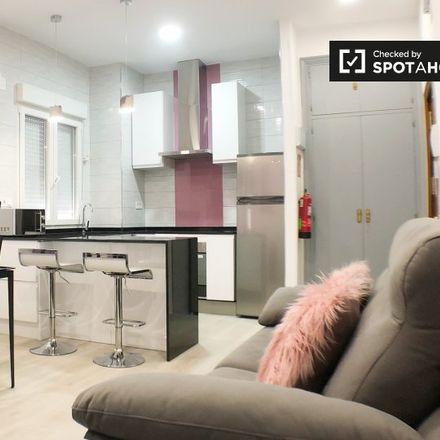 Rent this 1 bed apartment on Electrónica Embajadores in Calle de los Embajadores, 138