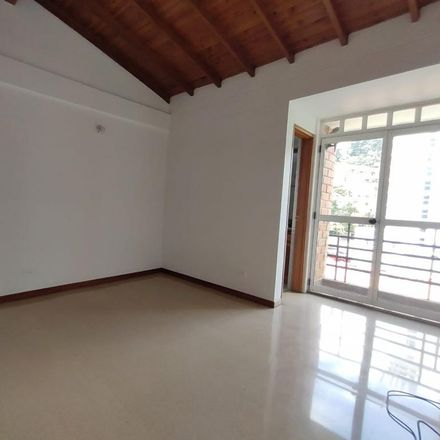 Rent this 3 bed apartment on unnamed road in Comuna 9 - Buenos Aires, Medellín
