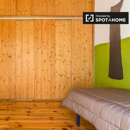 Rent this 2 bed apartment on Asociación Cultural Fallera Na Jordana in Carrer de Salvador Giner, 9