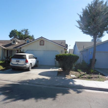 Rent this 3 bed house on 2238 North Milburn Avenue in Fresno, CA 93722