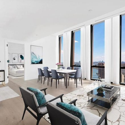 Rent this 3 bed apartment on The River School in 1st Avenue, New York