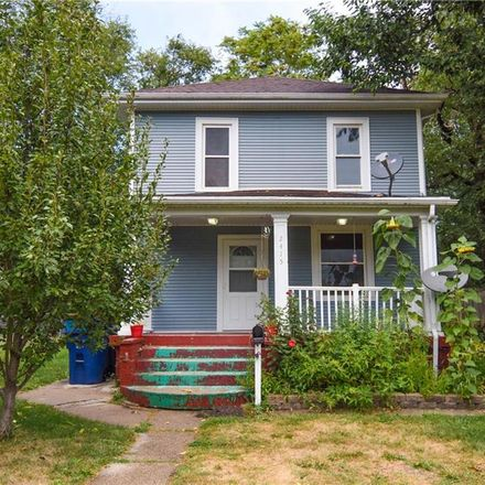 Rent this 3 bed house on 2415 High Street in Des Moines, IA 50312