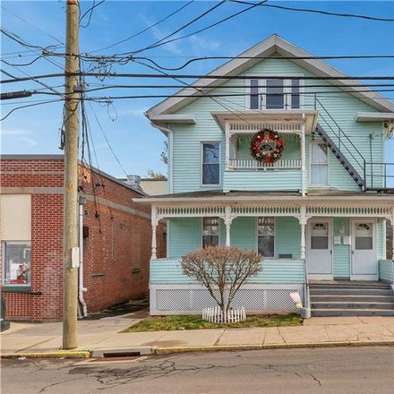 Rent this 2 bed townhouse on 72 Crown Street in Meriden, CT 06450