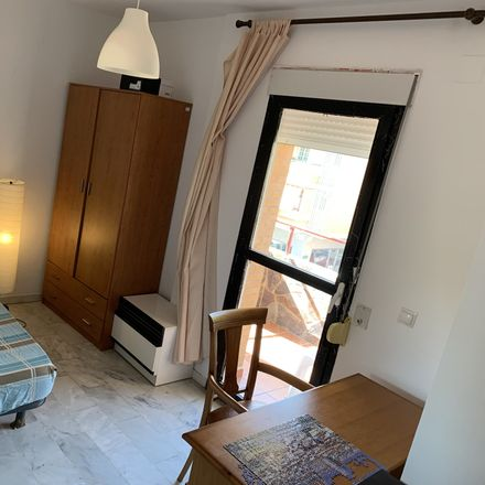 Rent this 3 bed room on Calle María de la Cruz in 29010 Málaga, Spain