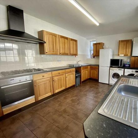 Rent this 8 bed room on Perfect Pizza in Moor View Terrace, Plymouth PL4 7EB