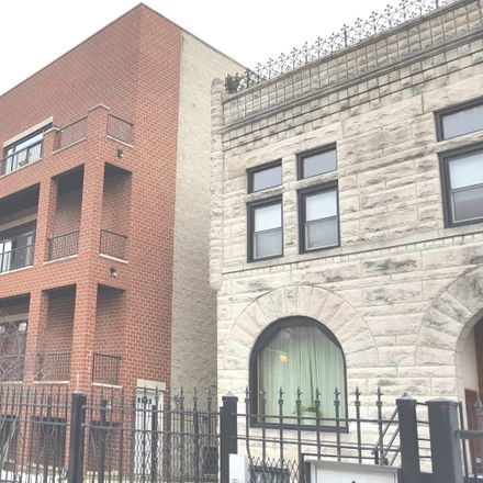 Rent this 3 bed townhouse on Chicago in Grand Boulevard, IL