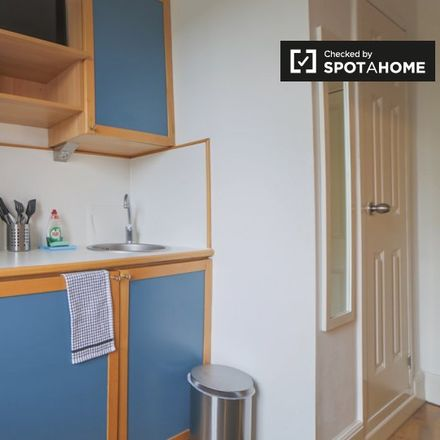 Rent this 0 bed apartment on Beryl Road in London W6 8JT, United Kingdom