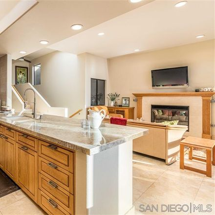 Rent this 3 bed townhouse on 1524 Summit Avenue in Encinitas, CA 92007
