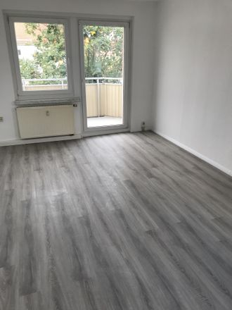 Rent this 3 bed apartment on Neschwitzer Straße 7a-f in 01917 Kamenz - Kamjenc, Germany