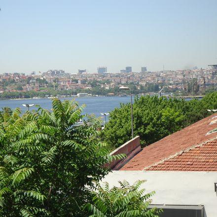 Rent this 2 bed room on Bedrettin in Çürüklük Sk., 34440 Beyoğlu/İstanbul