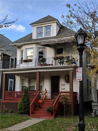 Rent this 3 bed apartment on 31 Orchard Place in Buffalo, NY 14214