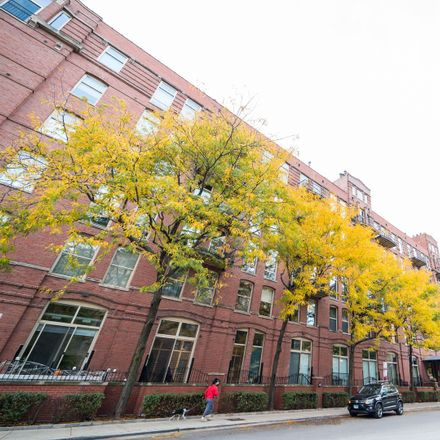 Rent this 2 bed loft on River Bank Lofts in 550 North Kingsbury Street, Chicago