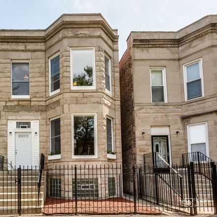 Rent this 5 bed duplex on 6611 South Rhodes Avenue in Chicago, IL 60637