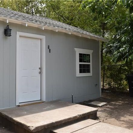 Rent this 3 bed house on 1321 West Hammond Street in Fort Worth, TX 76115