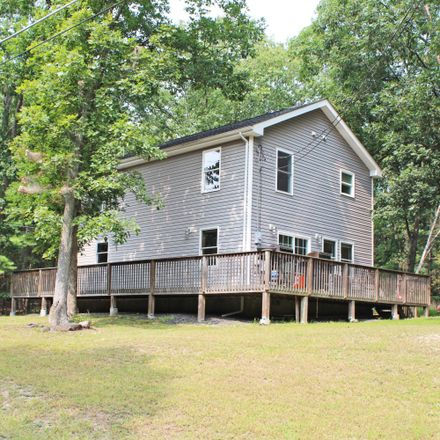 Rent this 3 bed house on Beech Rd in Dingmans Ferry, PA