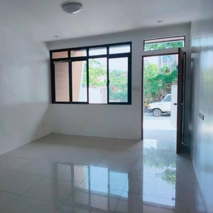 Rent this 3 bed house on Pudsey Grangefield School in Mount Pleasant Road, Leeds LS28 7ND