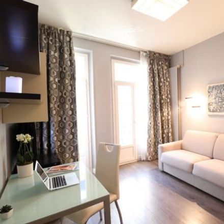 Rent this 4 bed apartment on 20 Avenue Notre-Dame in 06000 Nice, France