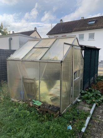 Rent this 4 bed townhouse on Kfz Zulassung Kreis Reutlingen in Bismarckstraße 47, 72764 Reutlingen