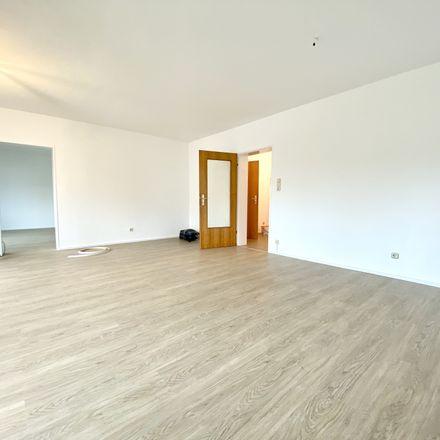 Rent this 3 bed apartment on 60529 Frankfurt