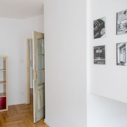 Rent this 2 bed room on Abramowskiego 6/10 in 90-355 Łódź, Polska