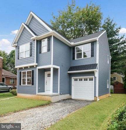 Rent this 3 bed house on 2nd Ave in Media, PA