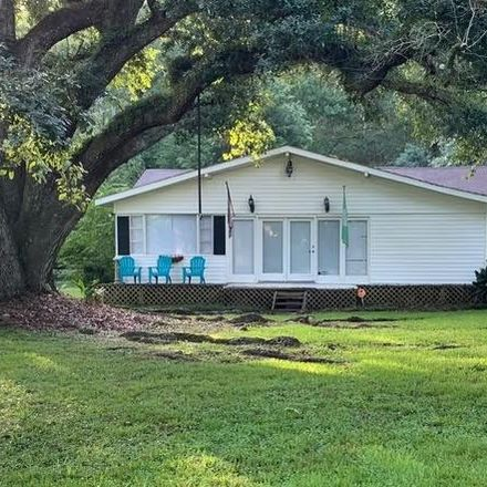 Rent this 3 bed apartment on Brook Ln in Fairhope, AL