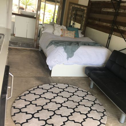 Rent this 1 bed room on 25B Cook Street