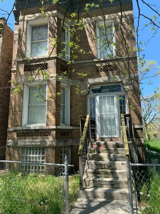 Rent this 9 bed duplex on South Union Avenue in Chicago, IL 60621