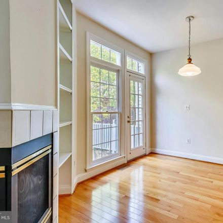 Rent this 3 bed townhouse on 2714 Earls Ct in Vienna, VA