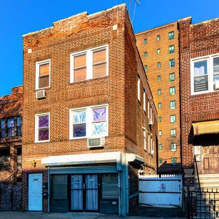 Rent this 5 bed apartment on 1420 White Plains Road in New York, NY 10462