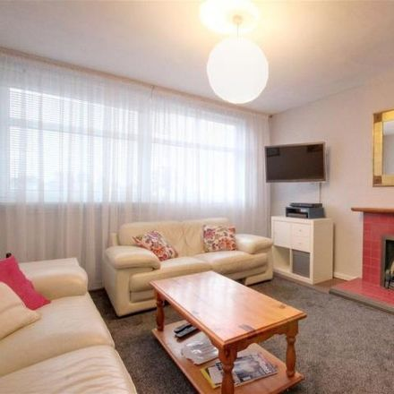 Rent this 2 bed apartment on Winchmore Hill in Green Lanes, London N21 2RS