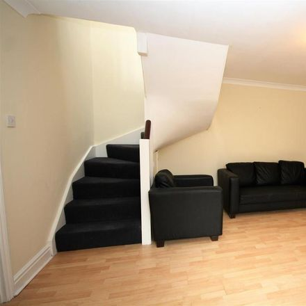 Rent this 2 bed house on Huddlestone Road in London NW2 5DU, United Kingdom